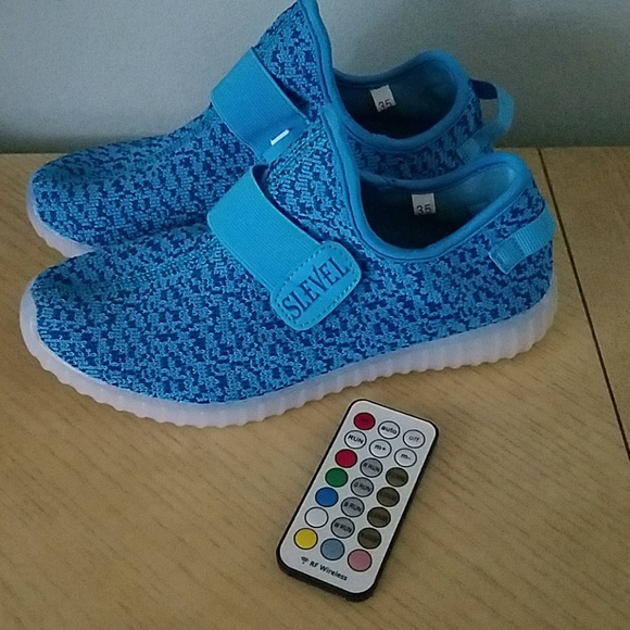 b1dcf0594e1 Slevel LED light up Kids Shoes Unisex remote NEW. M_5b3e96030cb5aa5900e41488